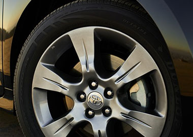 19-in. alloy wheels